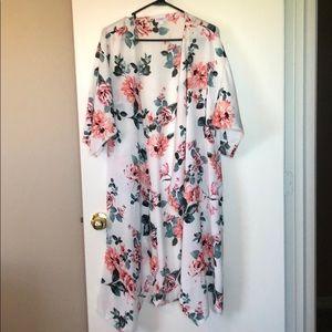Silky floral Shirley Kimono